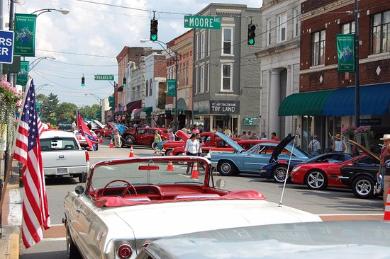 Classic Car Show On Min Street Picture Of Downtown Mt Airy Mount - Car show downtown