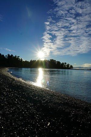 Fenstad's Resort: sunrise in the cove