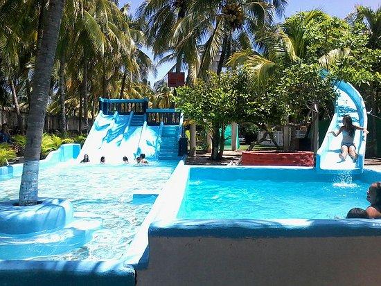 Villa Rubi : Tobogán para adultos y niños