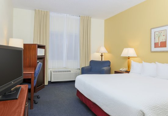 Bay City, MI: King Guest Room