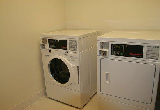 Burnsville, MN: Guest Laundry