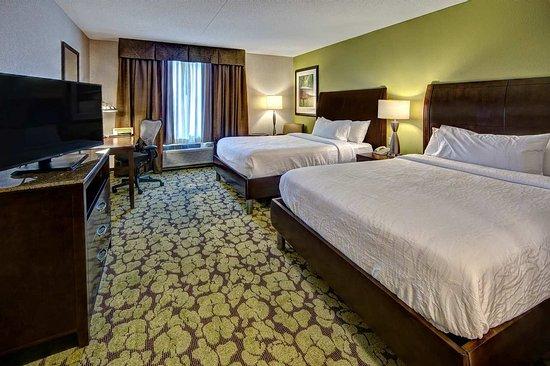 Hummelstown, بنسيلفانيا: 2 Queen 1 Bedroom Suite 