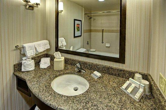 Hummelstown, PA: Guest Bathroom