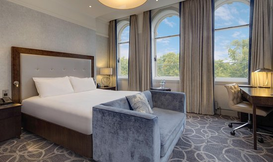 Hilton Glasgow Grosvenor Hotel: King Deluxe Accessible Room