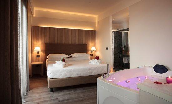 Garden Hotel: Suite con vasca idromassaggio