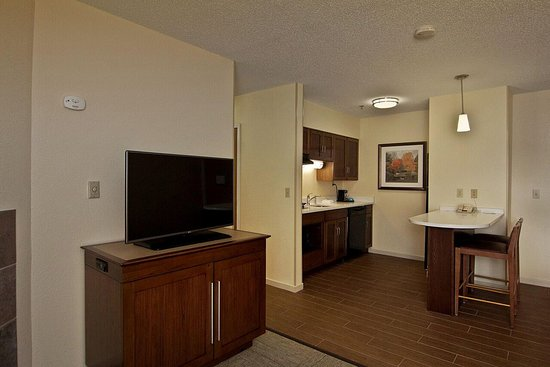 Hampton Inn and Suites Chillicothe : Suite Kitchen