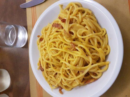 Ponte San Giovanni, Italie : Gli spaghetti alla carbonara!!