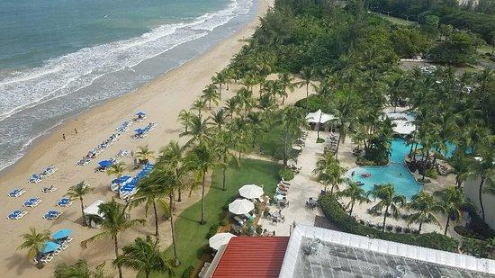 Courtyard Isla Verde Beach Resort - Beach