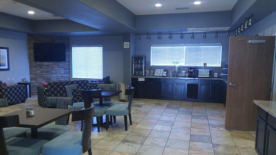 Madill, OK: Picture of Breakfast room from in front of check-in area