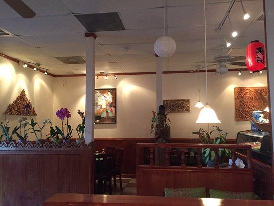Port Richey, FL: Inside Orchids Thai