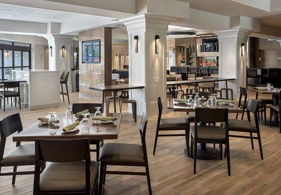 Boston Marriott Peabody: The Great Room
