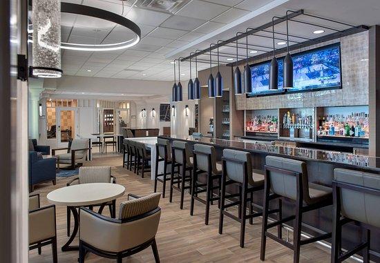 Boston Marriott Peabody: Lobby Seating