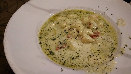 Adrian, Μίσιγκαν: Pesto Gnocchi at Sauce