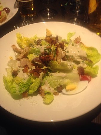 De kleine Valk: Salad for starter- big enough for main course