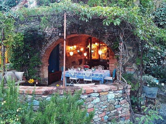 Torrita di Siena, Italy: Cena all'aperto