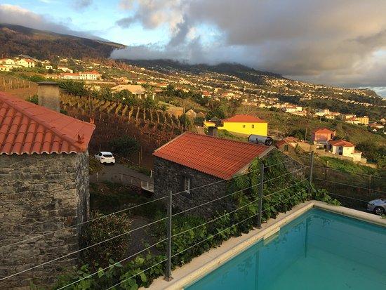 Estreito da Calheta, Πορτογαλία: Pool bei den Cottages
