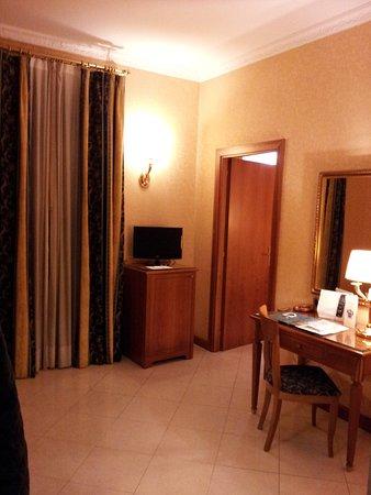 Amalia Hotel: Наш номер в две комнаты