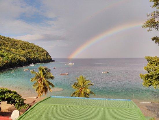 Les Anses d'Arlet, Martinica: pris la route quand il pleuvait arrivé en bas voici ce qui m'attendait. Magique