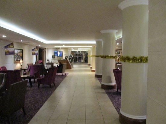 BEST WESTERN PLUS Academy Plaza Hotel: Main Lobby