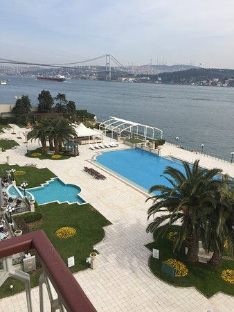 Ciragan Palace Kempinski Istanbul: الاطلالة الساحرة