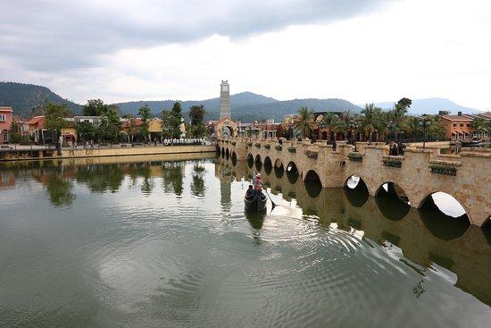 Hasil gambar untuk The Verona at Tub Lan