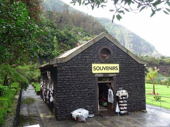 São Vicente, Portugal: Souvenir shop