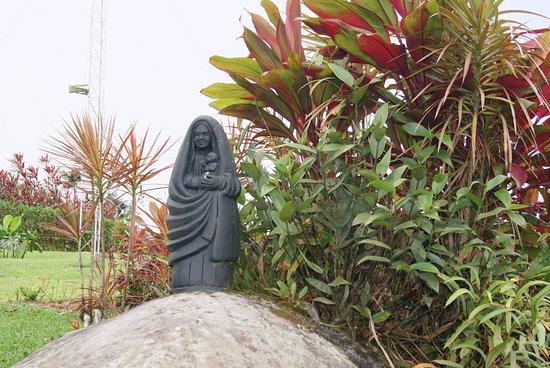 San Ramón, Costa Rica: Este detalle de la patrona de costa rica fue un gran regalo