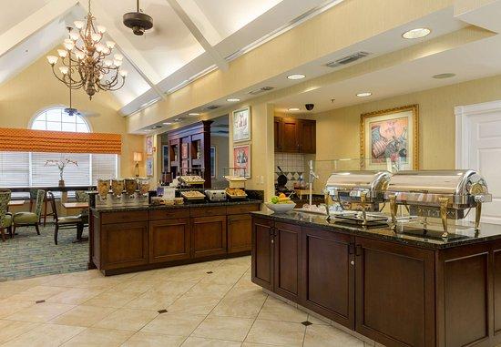 Monroe, LA: Breakfast Buffet