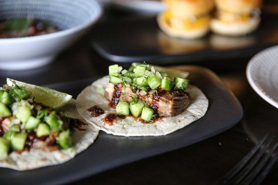Glen Waverley, أستراليا: Lamb Belly Tacos