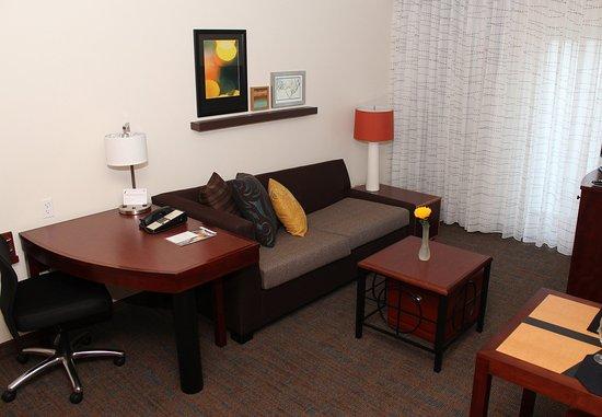 Sebring, FL: Suite – Living Area