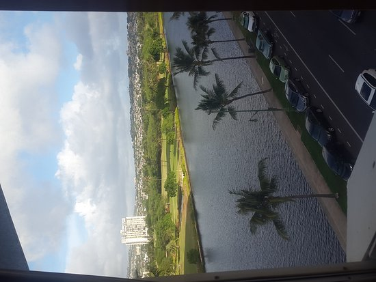 Holiday Surf Hotel: Awesome view from balcony and my room