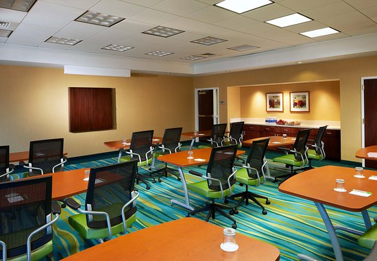 SpringHill Suites Newark Liberty International Airport : Conference Room A