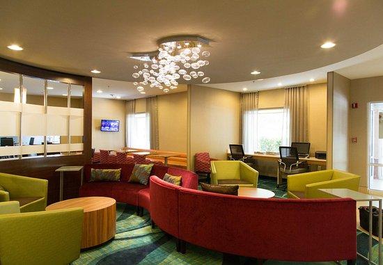 West Warwick, RI: Business Center