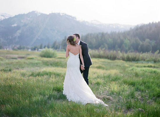Olympic Valley, CA: RSC_Wedding_BrideGroom_Meadow_Color_3