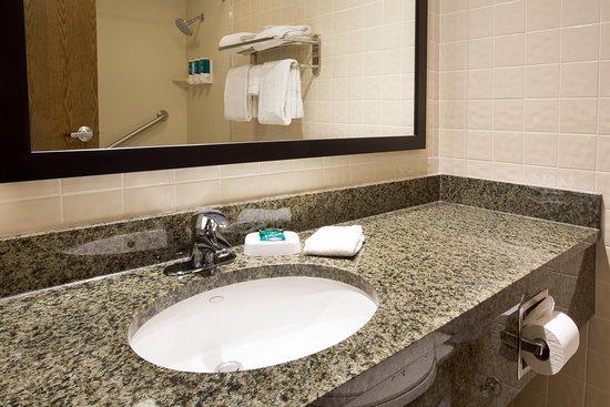 Drury Inn McAllen: Bathroom