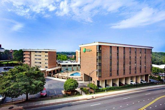 Atenas, GA: Holiday Inn Athens located adjacent to the University of Georgia