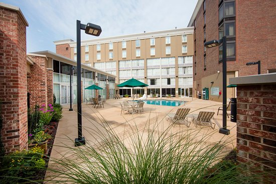 Atenas, GA: Holiday Inn's private oasis minutes from everything in Athens
