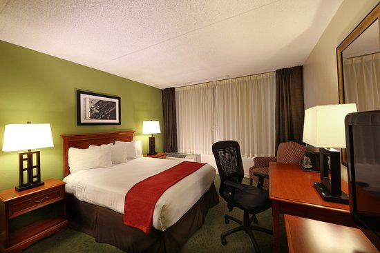 Athens, GA: One Queen Bed Non-Smoking Room Central Tower
