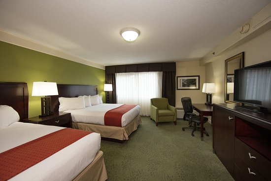 Athens, GA: Two Queen Bed Non-Smoking Room Executive Tower with plenty of room