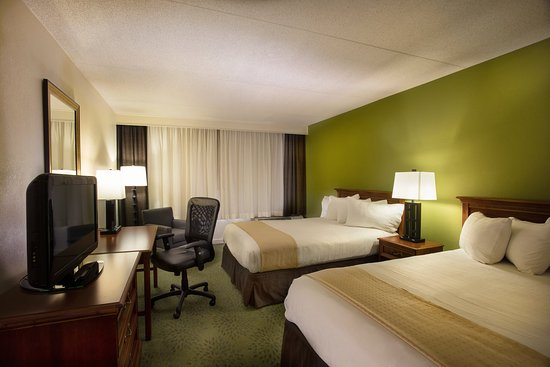 Athens, GA: Two Double Bed Guest Room Non Smoking Central Tower