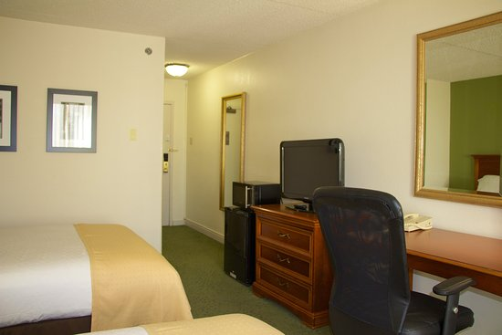 Athens, GA: Two Bed Guest Room located in the Central Tower.