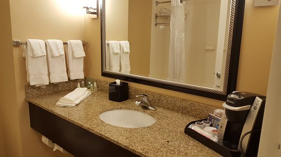 Holiday Inn Hotel & Suites Memphis-Wolfchase Galleria: 20161030_192901_large.jpg