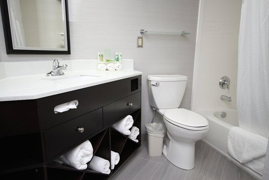 Janesville, WI: Remodeled stylish and functional bathroom