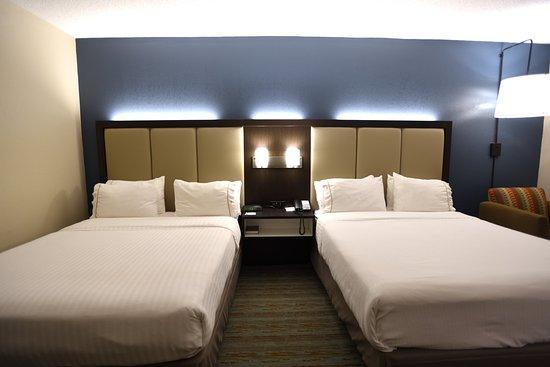Anderson, SC: Queen Bed Guest Room