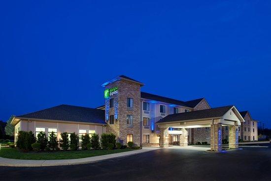 Holiday Inn Express Logan: Hotel Exterior