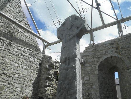 Kilfenora, Irlanda: デユアーティ十字架