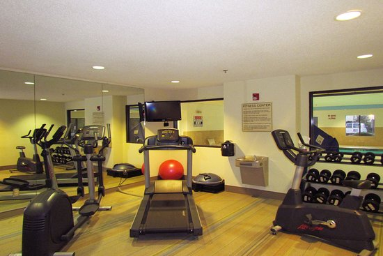 Holiday Inn Express Chesapeake: Fitness Center