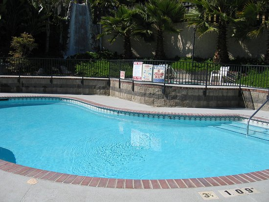 Holiday Inn Express Grover Beach-Pismo Beach Area : Pismo Beach Holiday Inn Express Swimming Pool