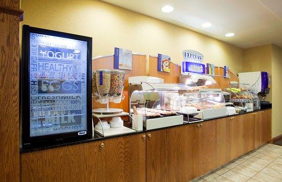 Rocky Mount, فيرجينيا: Breakfast Bar