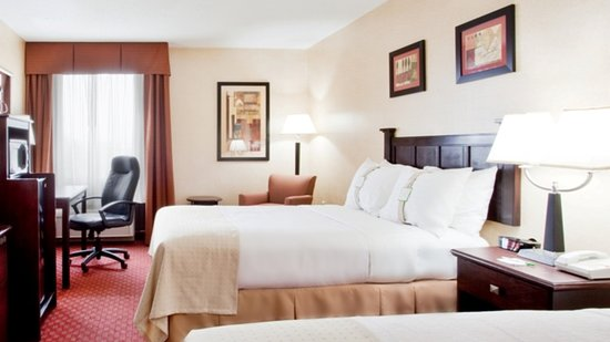 Holiday Inn Roanoke Valley View: Guest Room